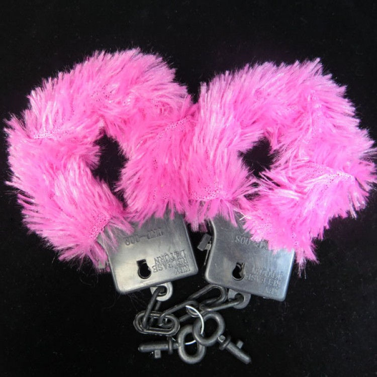 hot-girls-night-out-tool-sexy-games-6pcs-of-Hen-night-club-handcuffs-sex-toys-pink