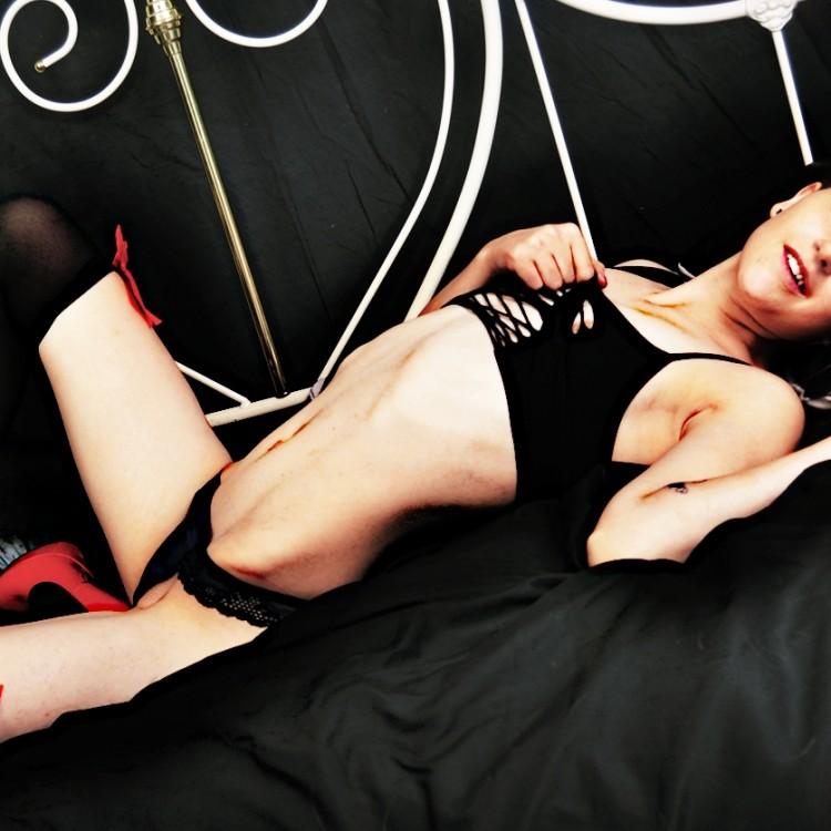 Freundin bestrafen bilder von nackten maennern
